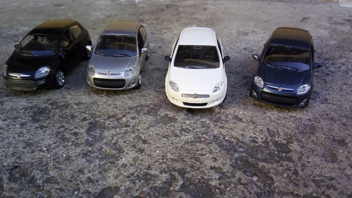Miniaturas de carrinhos da FIAT em foto capturada pelo Vernee Thor